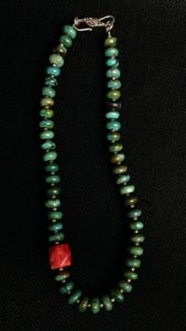 turquoise-beaded-necklace